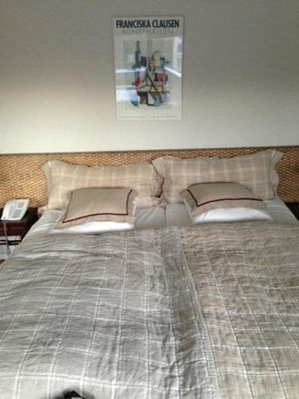 Charlottehaven:                   Bedroom