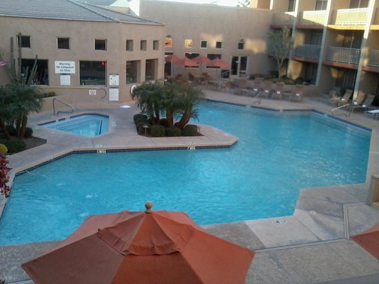 Sheraton Phoenix Airport Hotel Tempe:                   The view from my balcony.