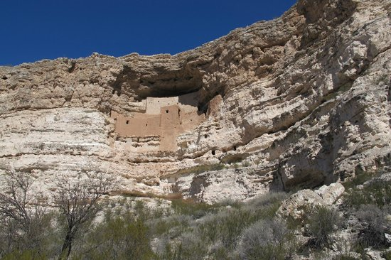 Montezuma Castle National Monument: from path