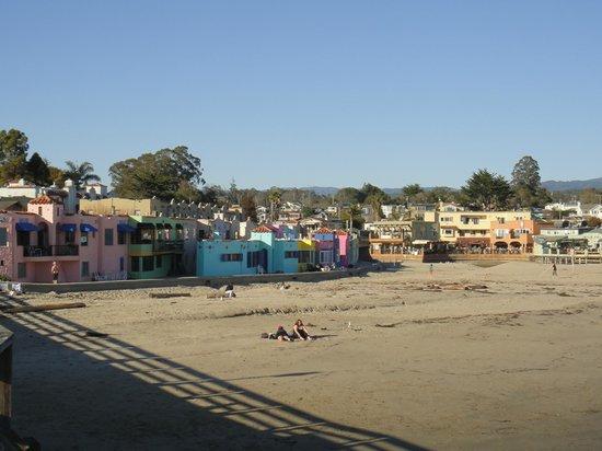 Capitola Beach :                   Отель на берегу