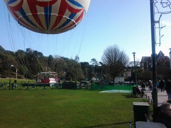 Bournemouth Balloon: What a skylark !