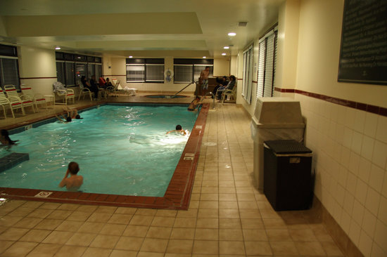 whirlpool and hot tub picture of hampton inn newport. Black Bedroom Furniture Sets. Home Design Ideas