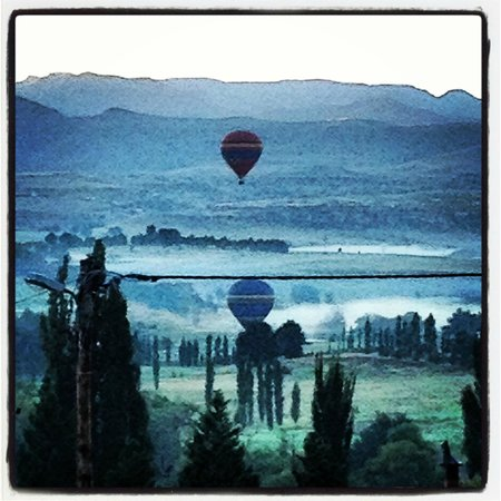 Maluti Mountain Lodge :                   Balloons rising in the early morning air
