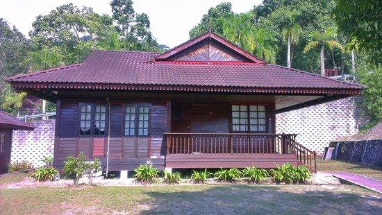 Teluk Dalam Resort:                   Cempaka bungalow 344