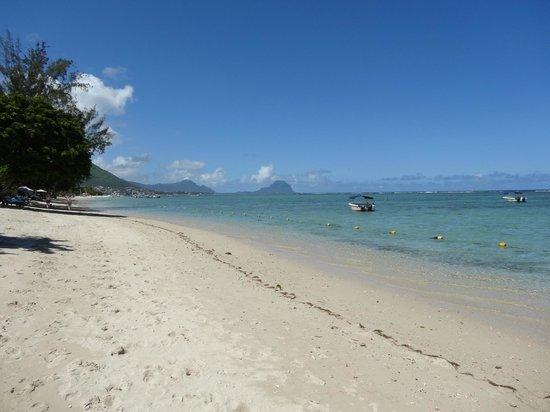 Hilton Mauritius Resort & Spa:                                     Vue de la plage privée Hilton