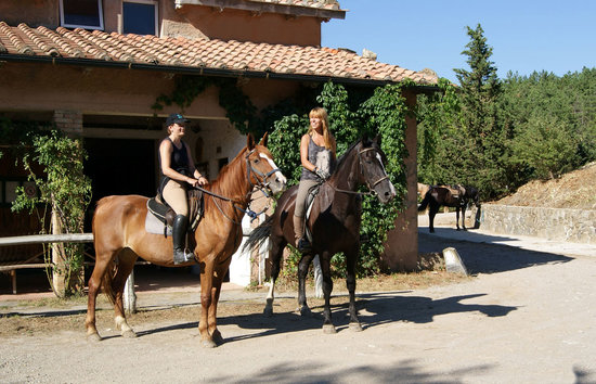 Prategiano - Horse Riding Holiday Tuscany: getlstd_property_photo