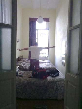 Hotel Principal:                   3rd Floor vista a la calle