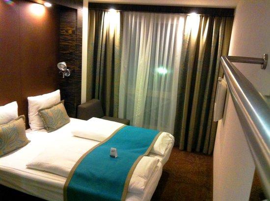Premiere Classe Hotel Düsseldorf-Ratingen : double beds