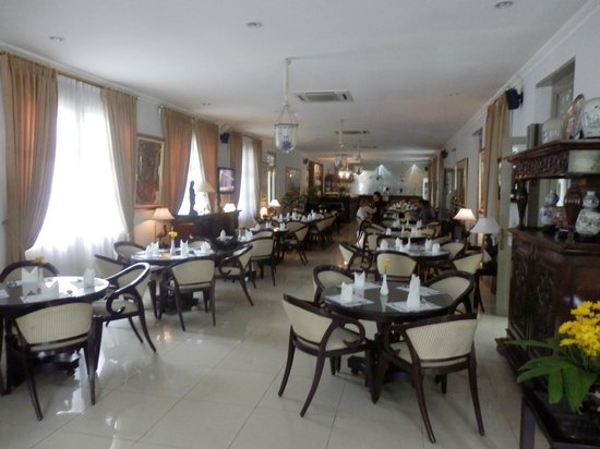 Soga Restaurant & Lounge: The main part of the restaurant
