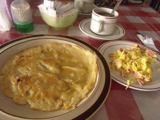 باكونج ساري ريزورت آند سبا:                                     Pancake set meal breakfast                                