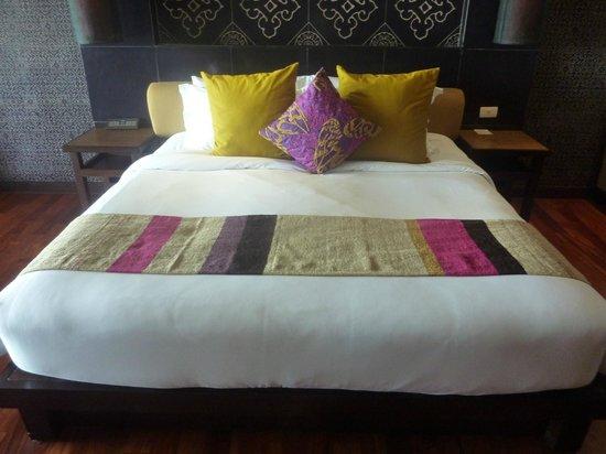 Sareeraya Villas & Suites:                   Comfy bed!