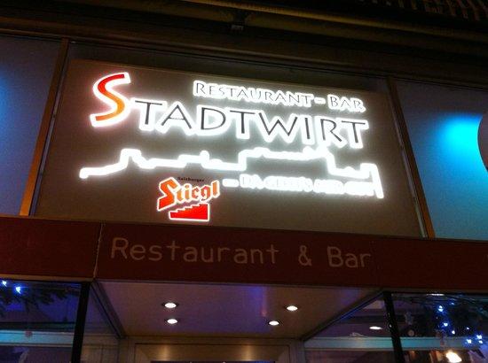 Restaurant & Bar Stadtwirt:                   Stadtwirt@night