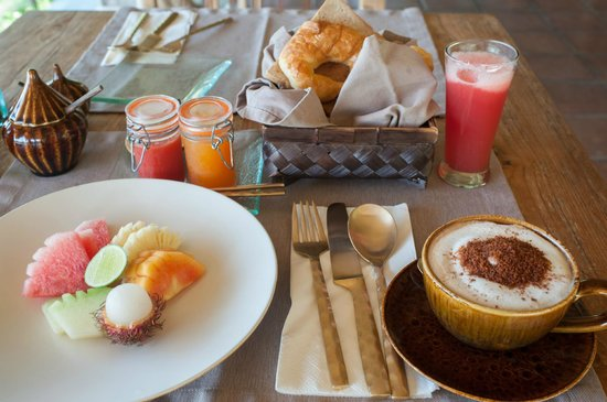 Mathis Retreat:                   Delicious breakfast with fresh homemade jams