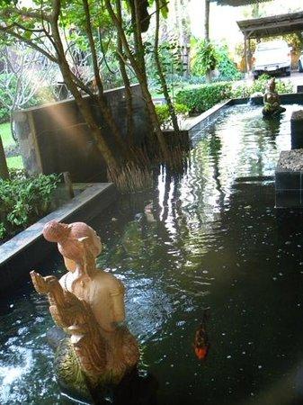 Phuket Island View: Lobby