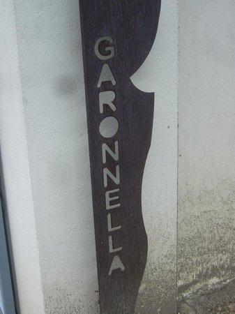 Garonnella:                                     Dès l'entrée