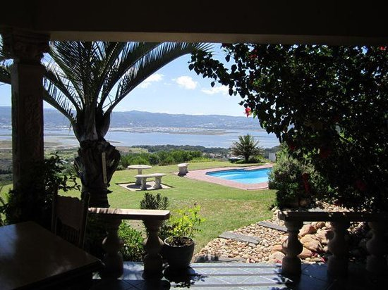 Brenton Hill Self Catering:                   View from bar/verandah area