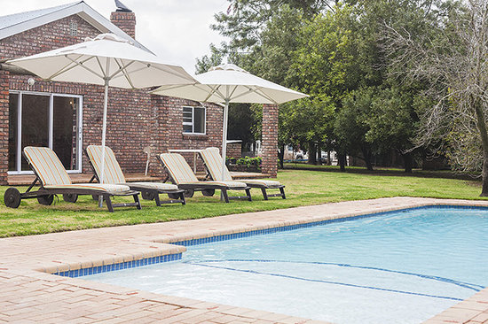 Bydand B & B: The swimming pool