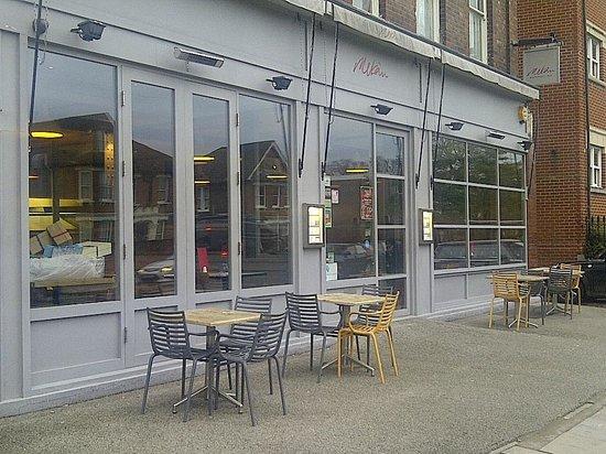 Mekan : Restaurant front