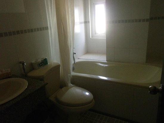 Saigon Zoom Hotel:                   Clean bathroom