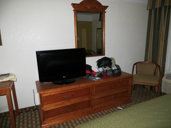Quality Inn & Suites SeaWorld North:                   Drawer HDTV with basic channels