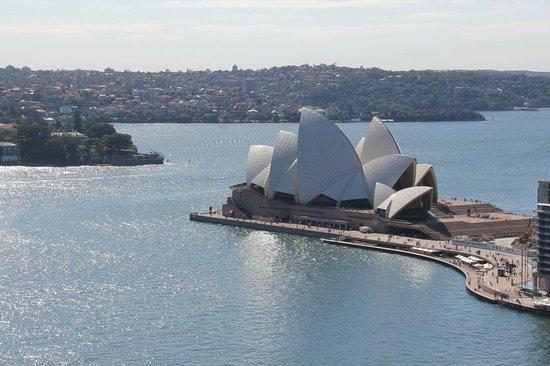 Four Seasons Hotel Sydney:                   Opera House