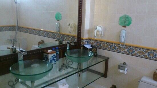 Pousada de Mong-Ha: bagno suite room 110