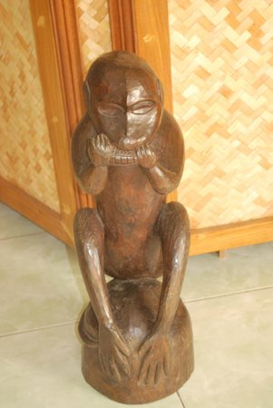 Palanca Guest House:                                     Monkey statue