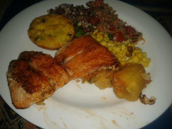 Ramma Cozinha Natural:                   Mixed plate of food
