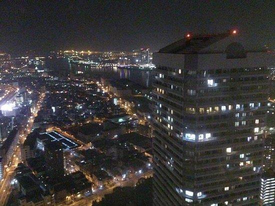 Hotel Osaka Baytower:                   海側の夜景