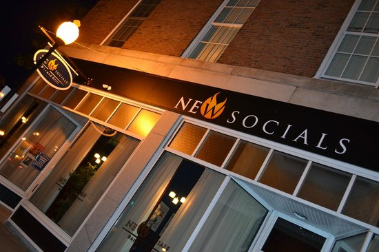 New Socials Bar and Grill: Outside Front