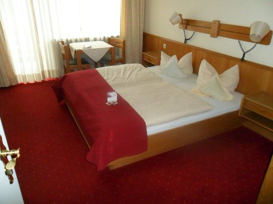 Hotel Murrer:                   Hotelzimmer