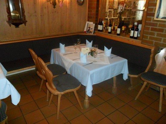 Hotel Murrer:                   Tisch im Restaurant