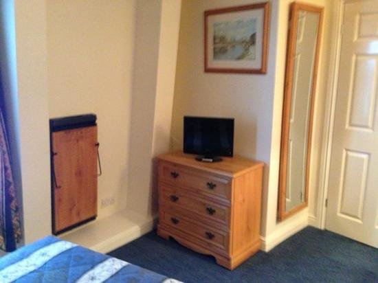 Discovery Inn Leeds:                   tv and trouser press in 6th floor room