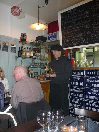 Restaurant Clin d'Oeil :                   Maitre D