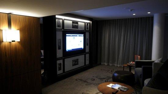 The Darling Jewel Suite Living Room