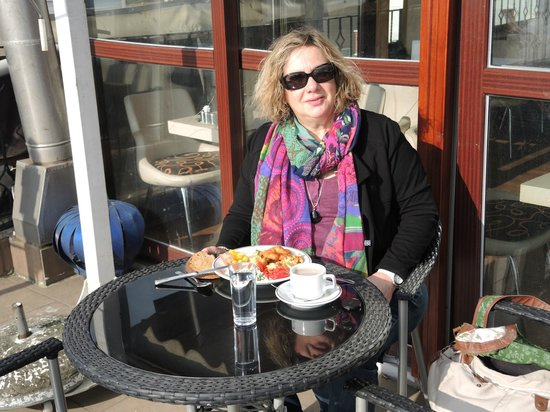 Angel's Home Hotel:                   breakfast on the terrace