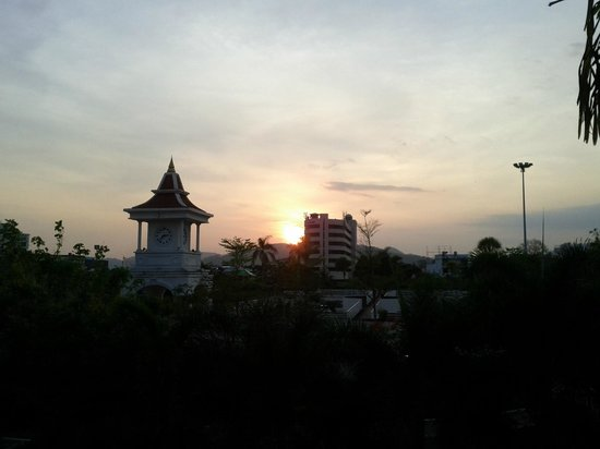 Baan Suwantawe:                                     Sunset view