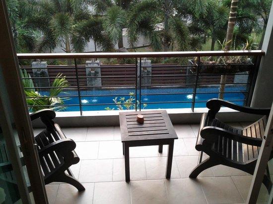 โรงแรมบ้านสุวัณณ์ทวี:                                     Pool view 1