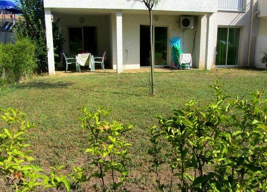 Résidences Club Odalys Acqua Linda et Acqua Bella :                   Le petit jardin privatif