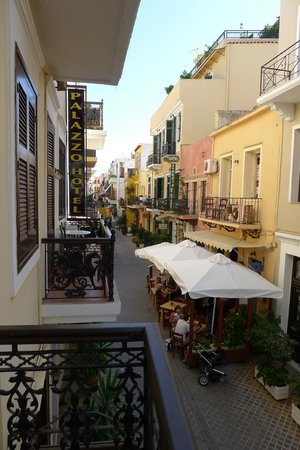 Elia Palazzo Hotel: Looking up Theokopolous Street from the balcony