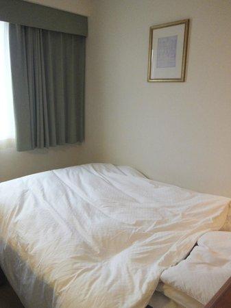 Plaza Hotel Premier:                   セミダブルのベッド
