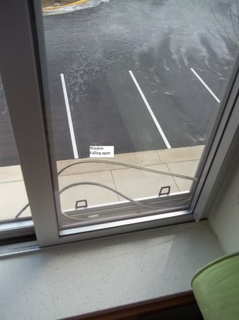SpringHill Suites Ashburn Dulles North :                   Window Falling apart