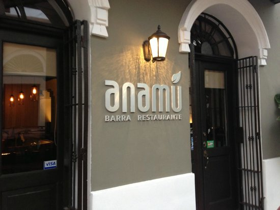 Anamu Bar & Restaurant: Entrance