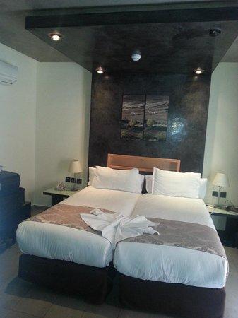 Dellarosa Hotel Suites & Spa:                   chambre
