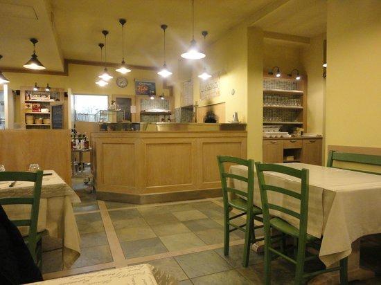 La Casa Matta: ...La zona della preparazione delle pizze con forno a legna...