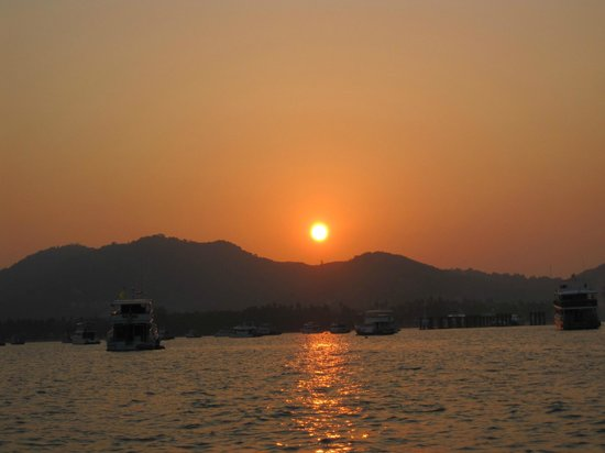 SweetDreamers Charters - Private Day Trips:                   Sunset