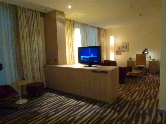Hilton Frankfurt Airport Hotel:                   Superb .. !