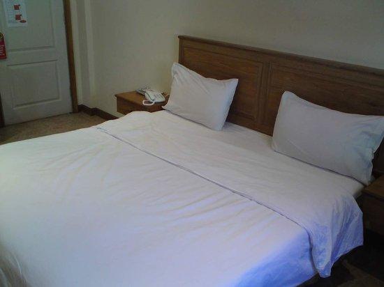 ซีเคร็ตส์บาร์ ไนท์คลับ & โฮเต็ล:                   the beds