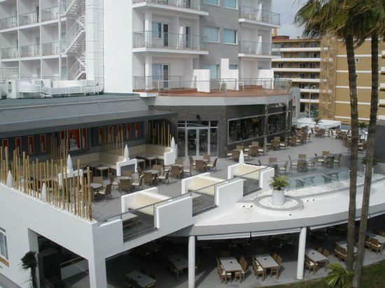 Hotel Riu Nautilus:                   Bar / terrace