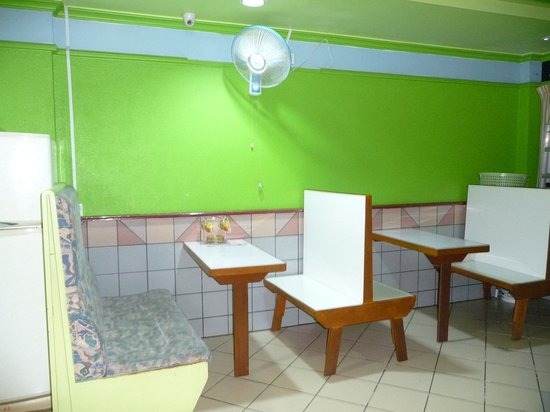 Rose Guesthouse: dinning area